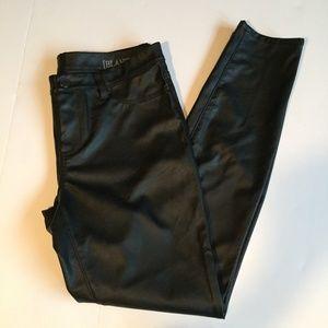Blank NYC Skinny Leg Black Pleather Jeans Size 30